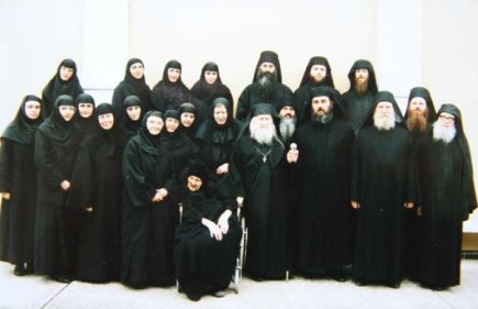 monks-and-nuns-of-the-brotherhood-and-sisterhood-of-st-john-the-baptist-essex-with-their-beloved-elder
